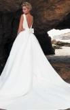 Свадебное платье бант